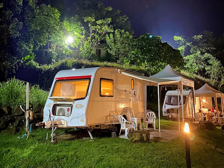 suanlamai-รถ-caravan